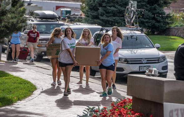 Students move into their residence halls