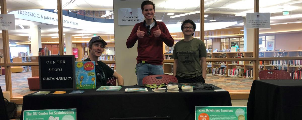 students tabling at a center for sustainability event